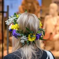 103 Hon har blommor i sitt hår (194/365)